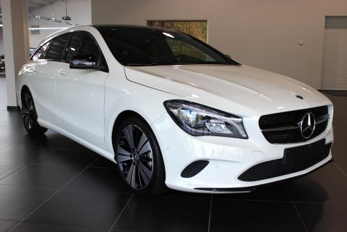 MERCEDES-BENZ CLA 180 Shooting Brake Urban Panorama, Night Pack, Trekhaak, Led High Performance