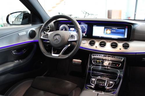 MERCEDES-BENZ E 220 d AMG Widescreen, Comand, Distronic, Night Pack