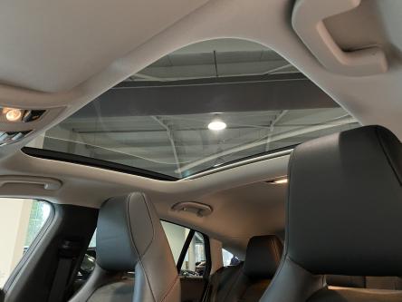 MERCEDES-BENZ CLA 180 SB AMG Panorama, Standverwarming, Trekhaak, Led