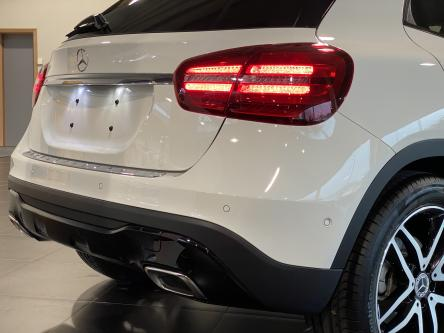 MERCEDES-BENZ GLA 180 Urban Panorama, Night Pack, Led High Performance