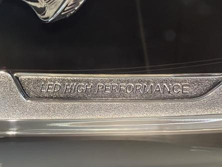 MERCEDES-BENZ GLA 200 Urban Led High Performance, Park Pilot, Keyless Start