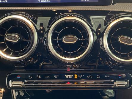 MERCEDES-BENZ A 180 d Amg Mbux Media, Achteruitrij Camera, Led High Performance