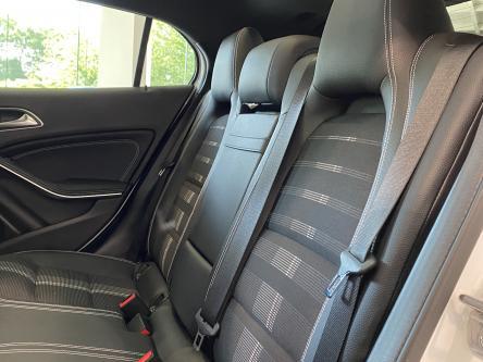MERCEDES-BENZ GLA 200 Urban Night Pack, Memory Seats, 360 Camera, Panorama