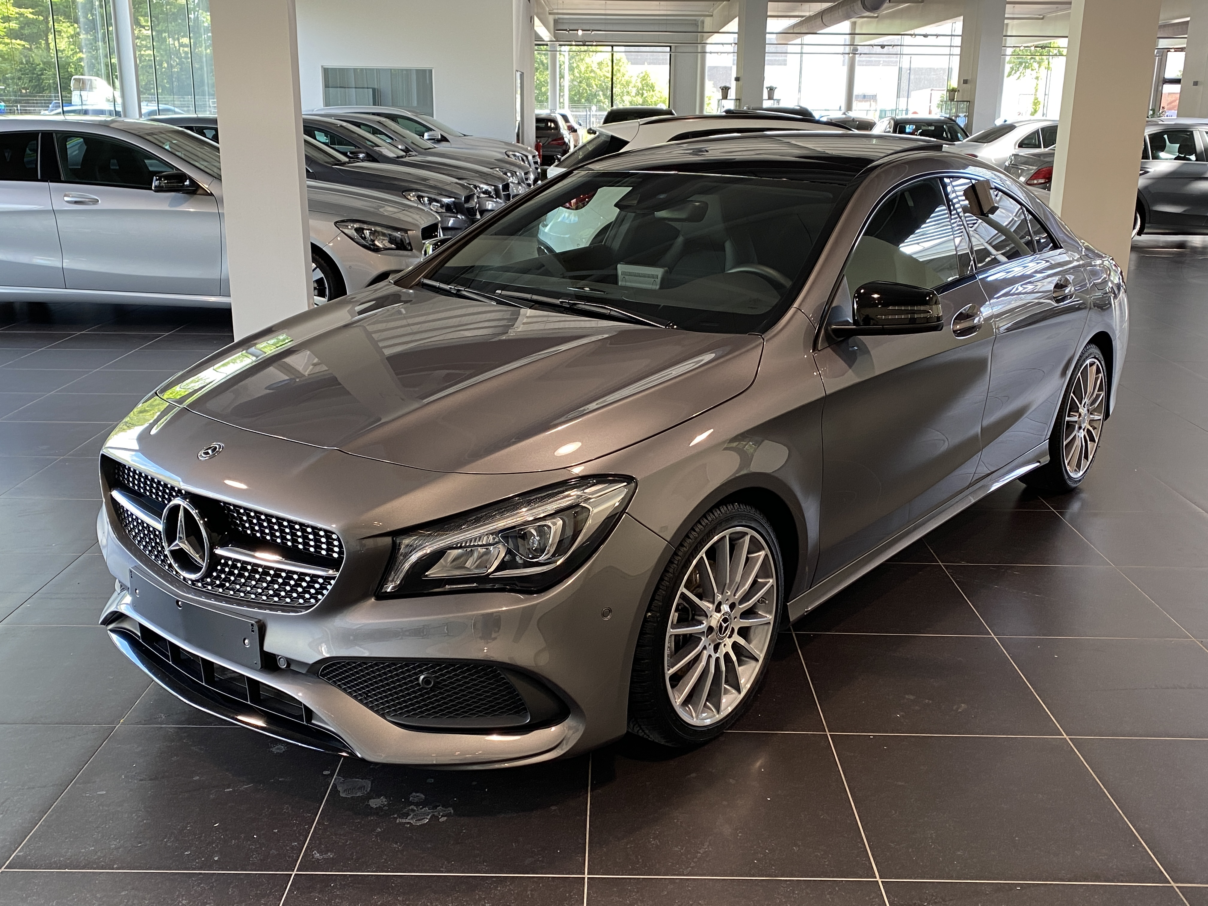 MERCEDES-BENZ CLA 180 Amg Panorama, Night Pack, Achteruitrij Camera, Sfeerverlichting