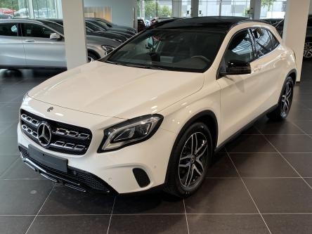 MERCEDES-BENZ GLA 180 Urban Night Pack, Panorama, Led High Performance