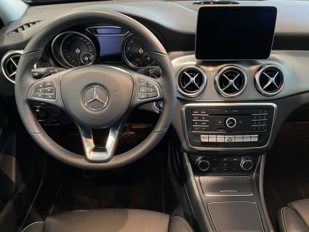 MERCEDES-BENZ GLA 200 Urban Led High Performance, DAB, Park Pilot