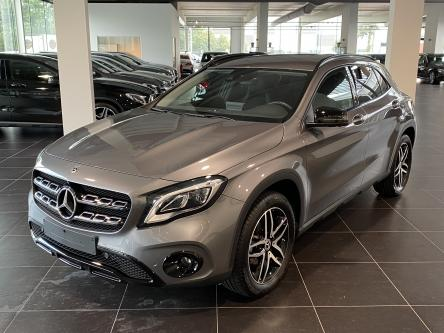 MERCEDES-BENZ GLA 180 Urban Night Pack, 360 Camera, Dodehoeks Assist, DAB