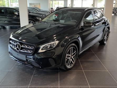 MERCEDES-BENZ GLA 180 Urban Night Pack, Apple Car Play, Dodehoeks Assist