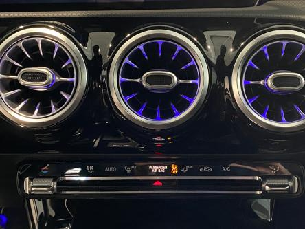 MERCEDES-BENZ CLA 180 SB Amg Widescreen, Sfeerverlichting, 19 Inch, Led High Performance