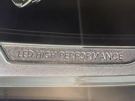 MERCEDES-BENZ GLA 180 Urban Trekhaak, Led High Performance, Park Pilot