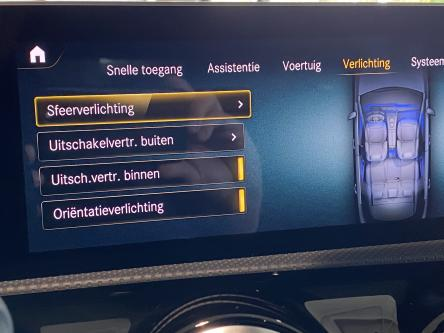 MERCEDES-BENZ A 220 Amg Night Pack, Sfeerverlichting, Mbux Widescreen, Led