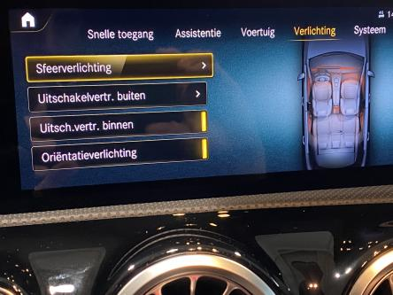MERCEDES-BENZ A 220 Amg Panorama, Night Pack, 19 Inch Alu, Widescreen, Sfeerverlichting