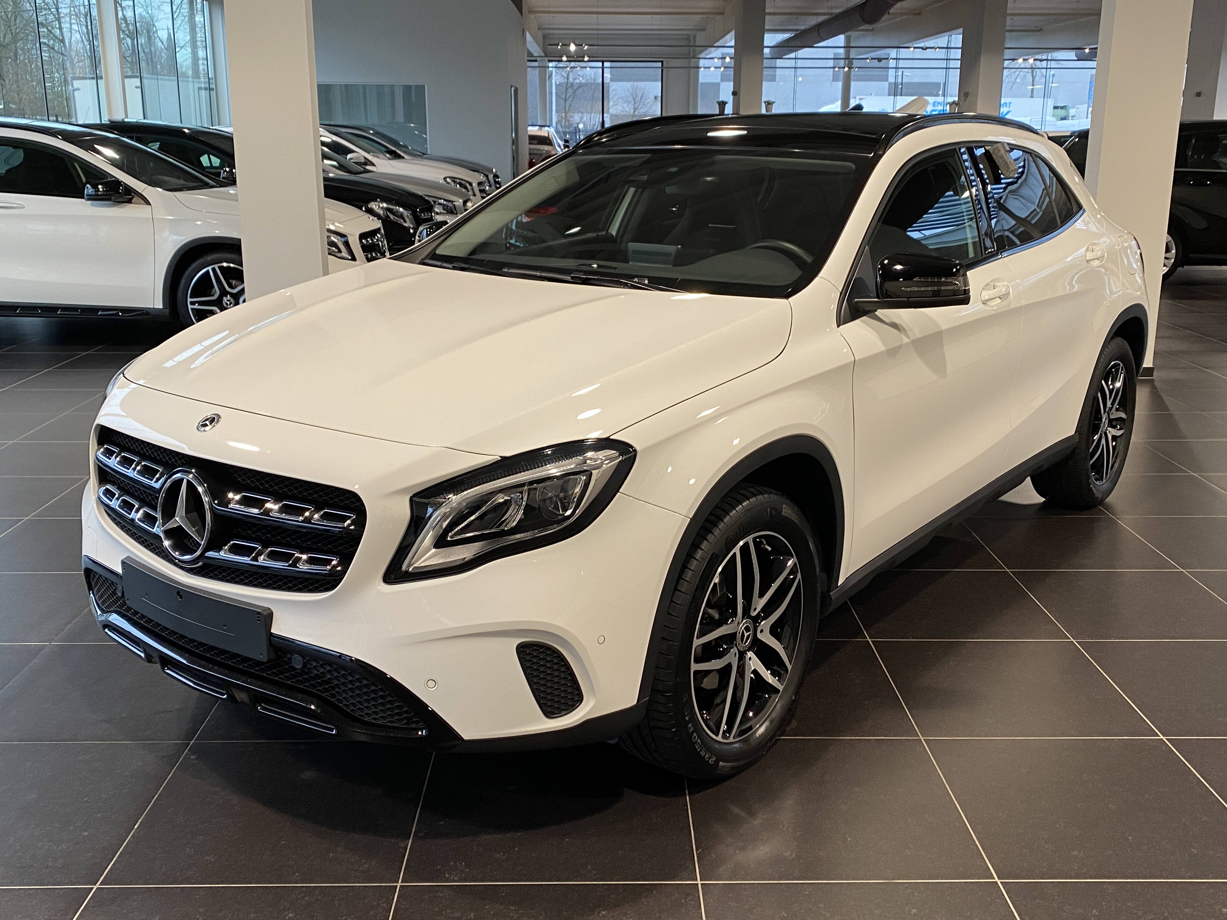 MERCEDES-BENZ GLA 180 Urban Panorama, Night Pack, DAB, Park Pilot